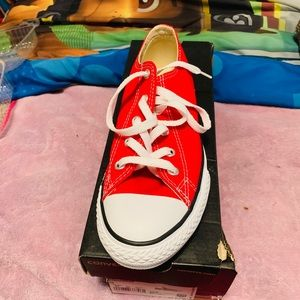 Converse Size 3
